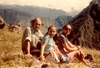 Tomás Germinal Gracia Ibars (Víctor García), with partner Marisol and daughter, Macchu Pichu