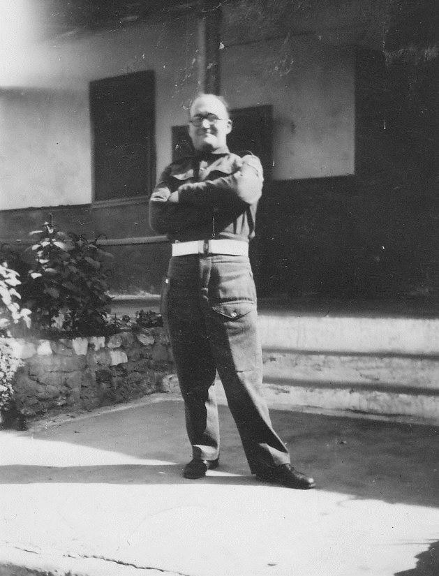 Ο Άλμπερτ Μέλτσερ στο Κάιρο το 1947