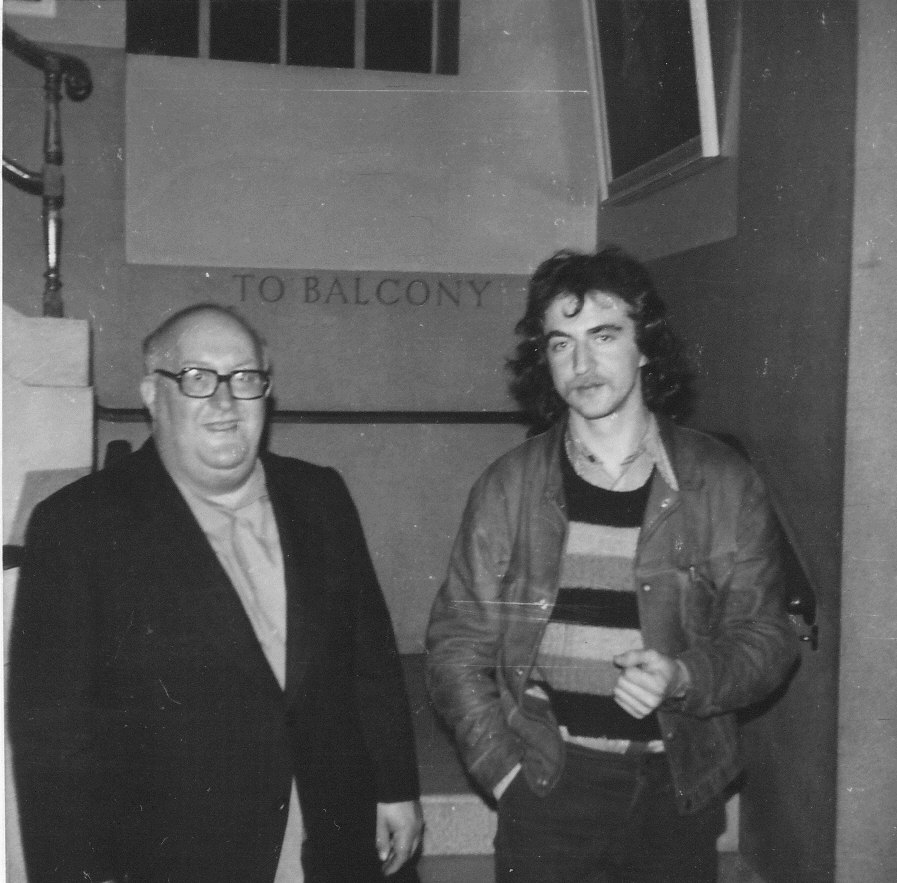 Ο Άλμπερτ Μέλτσερ με τον Στιούαρτ Κρίστι στο Λονδίνο το 1975